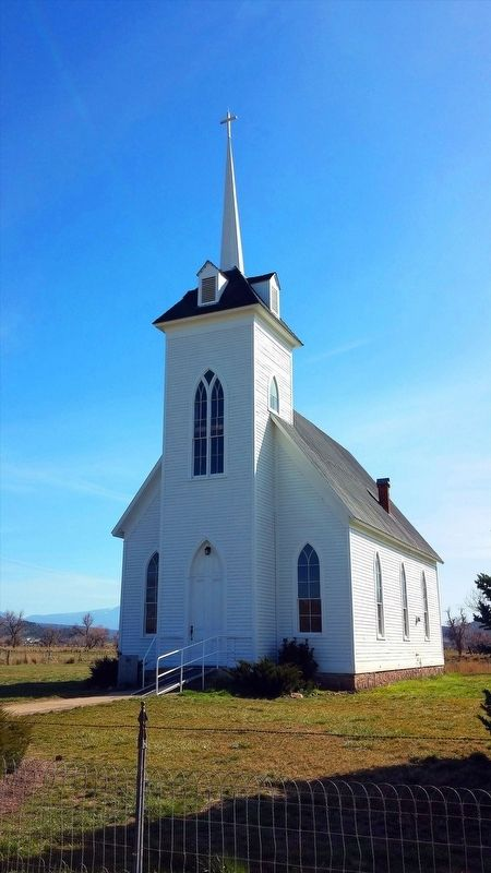 Little Shasta Congregational Church image. Click for full size.