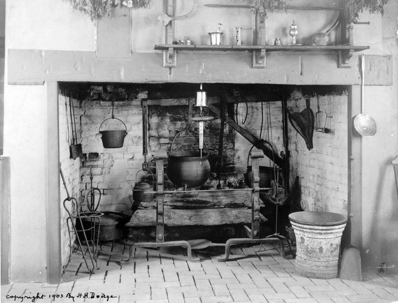 Fireplace in the kitchen at Mt. Vernon image. Click for full size.