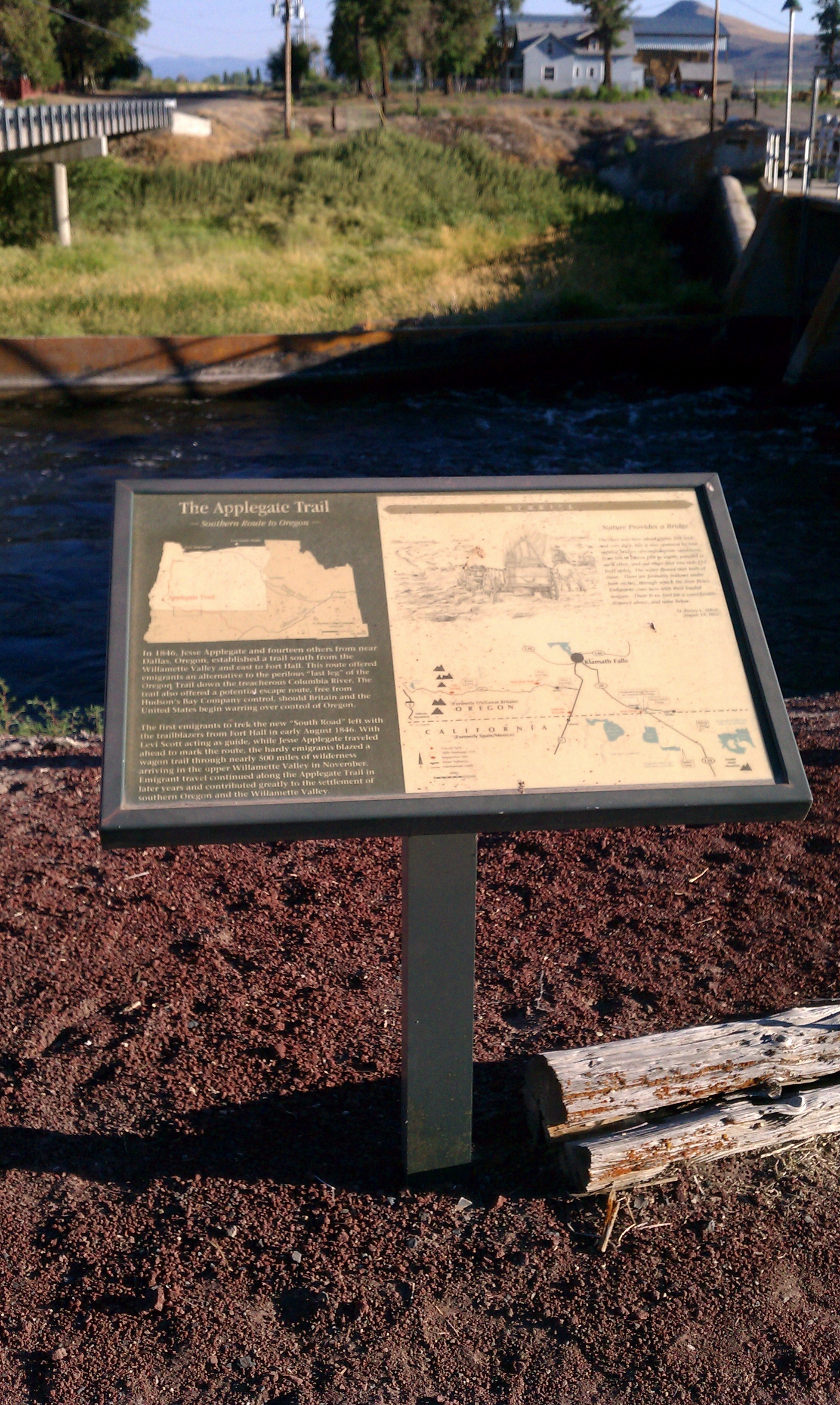 The Applegate Trail Marker