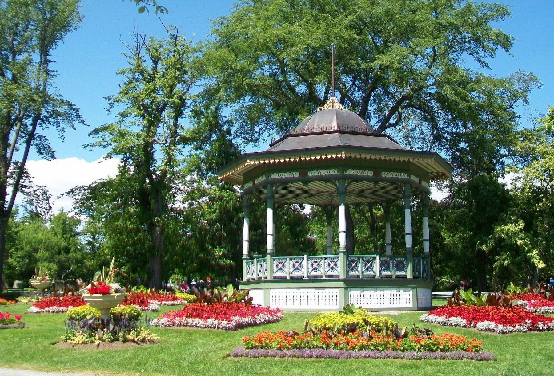 Halifax Public Gardens Bandstand and Flower Beds image. Click for full size.