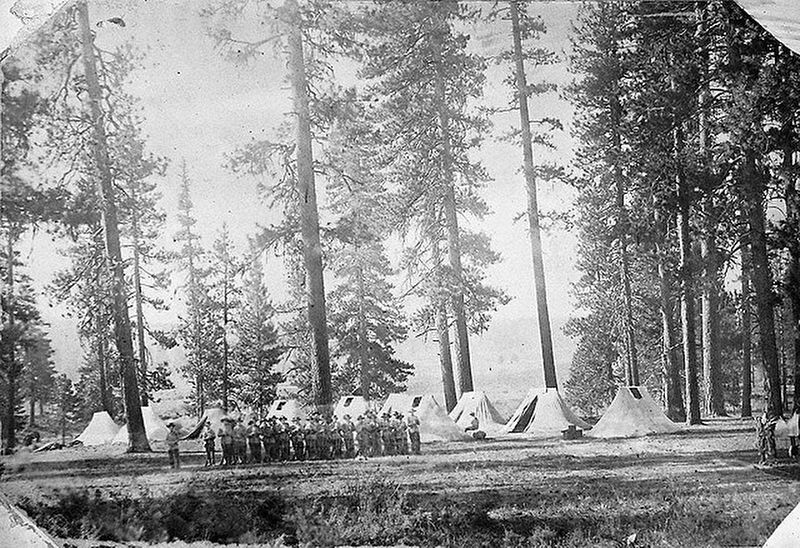 Spencer Creek Crossing / Camp Day Marker image. Click for full size.
