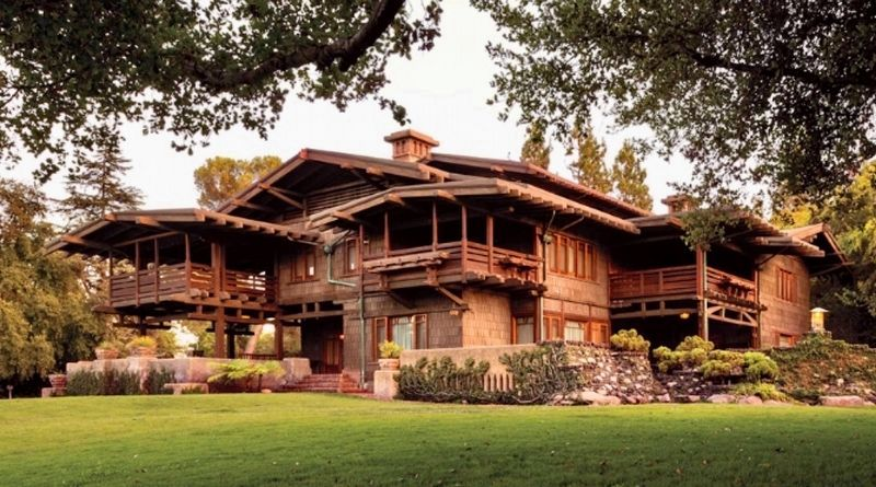 Gamble House side view image. Click for full size.