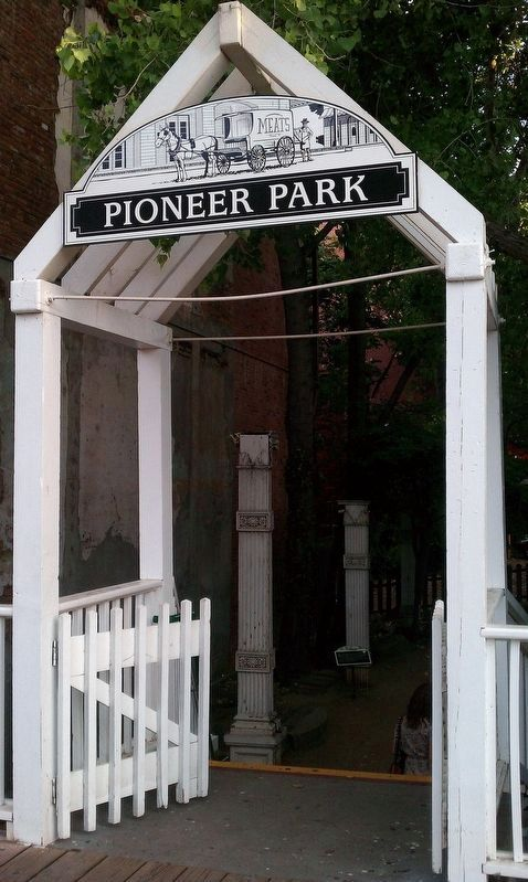 Pioneer Park Entrance image. Click for full size.