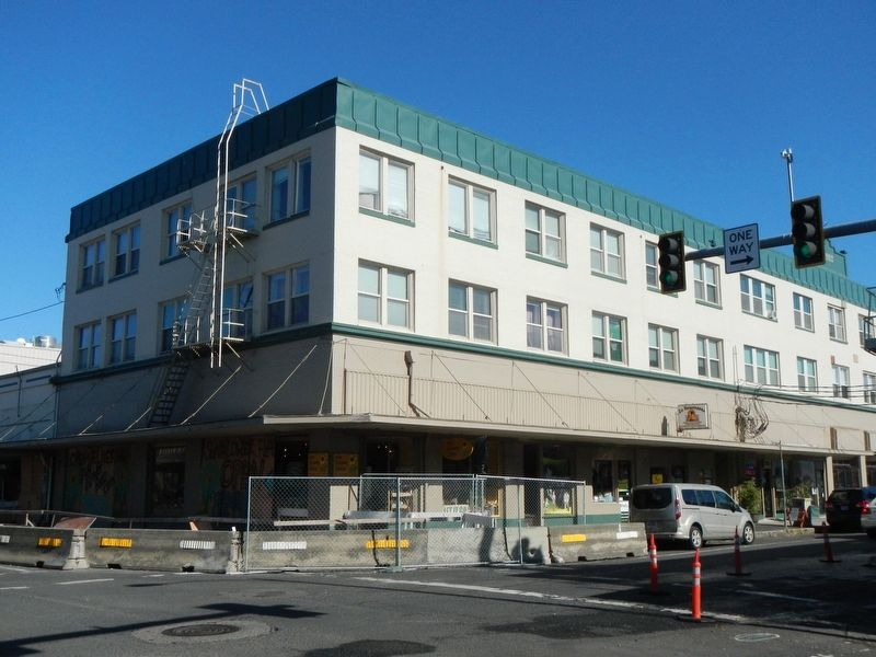 Tillamook Hotel image. Click for full size.