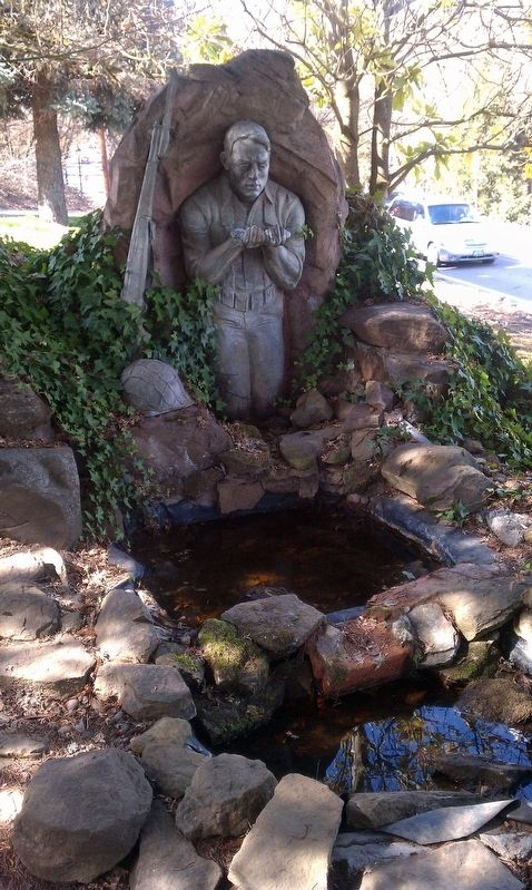 Universal Infantryman Memorial Fountain image. Click for full size.