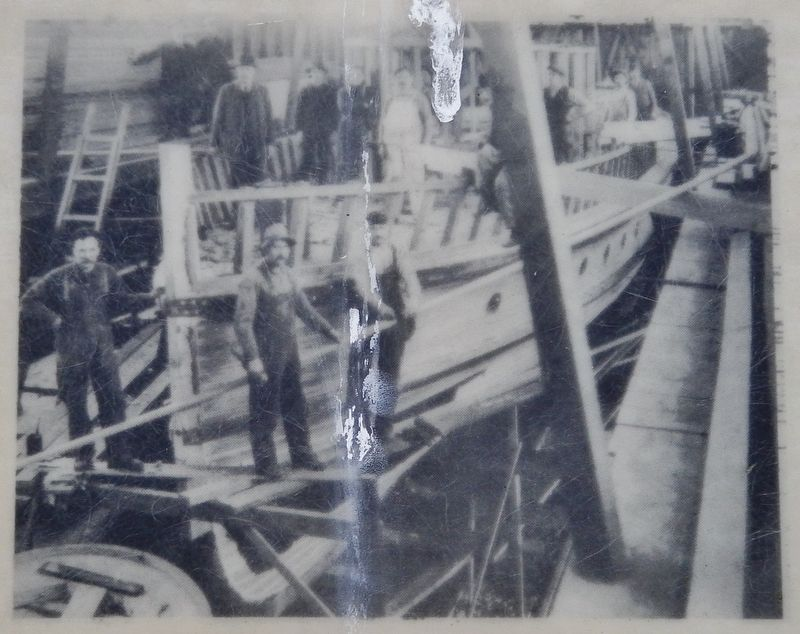 Marker detail: Shipbuilders image. Click for full size.