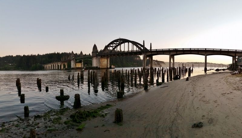 Siuslaw River Bridge (<i>panoramic view from marker</i>) image. Click for full size.