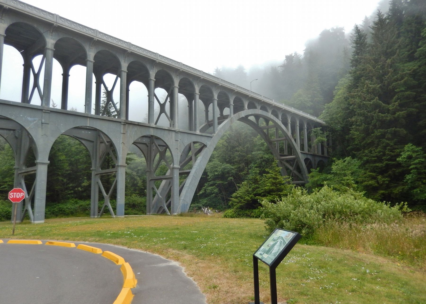 Technology Spans Marker (<i>wide view; Cape Creek Bridge in background</i>) image. Click for full size.