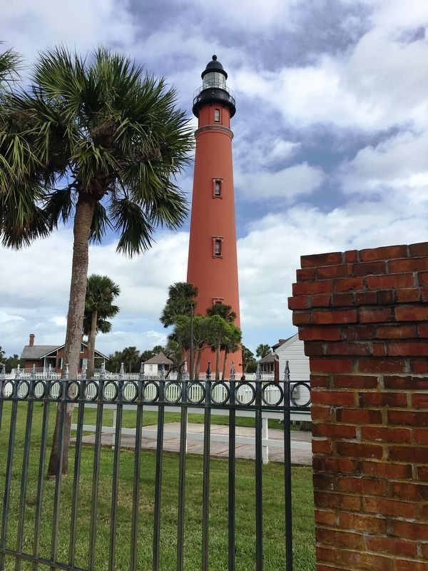 Ponce de Leon Lighthouse image. Click for full size.