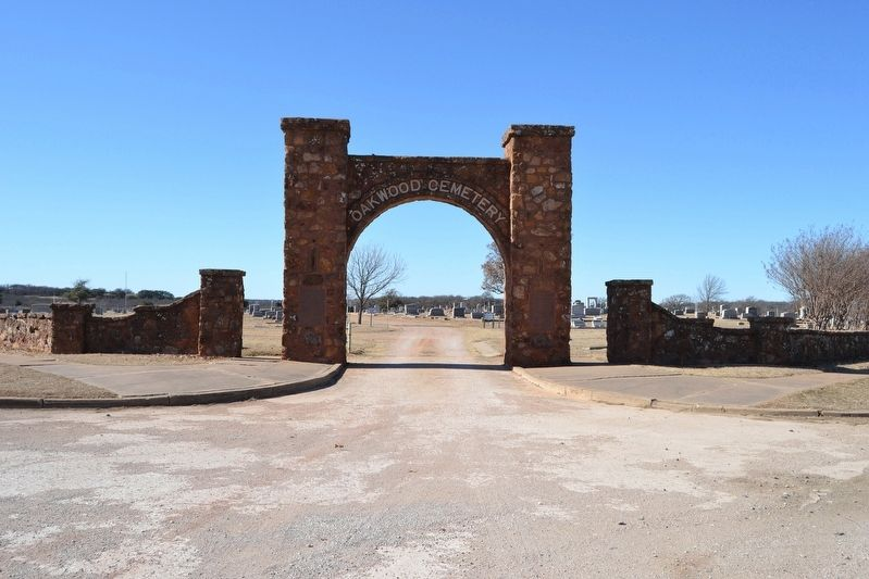 Rock Archway Entrance to Oakwood Cemetery image. Click for full size.