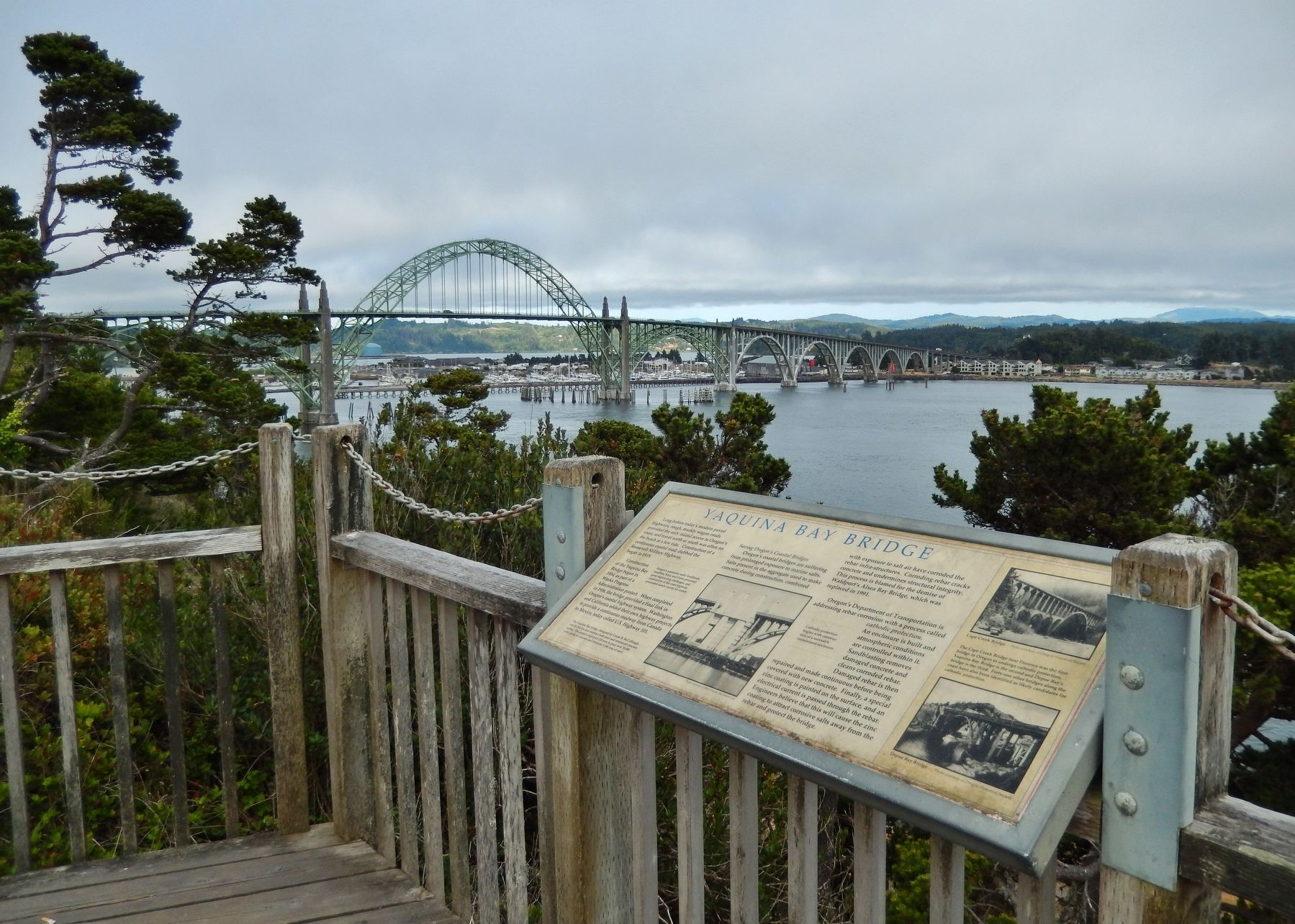 Yaquina Bay Bridge Marker (<i>wide view</i>) image. Click for full size.