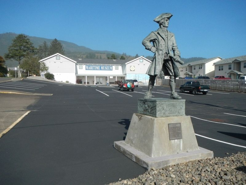 Captain Robert Gray Statue and Marker image. Click for full size.
