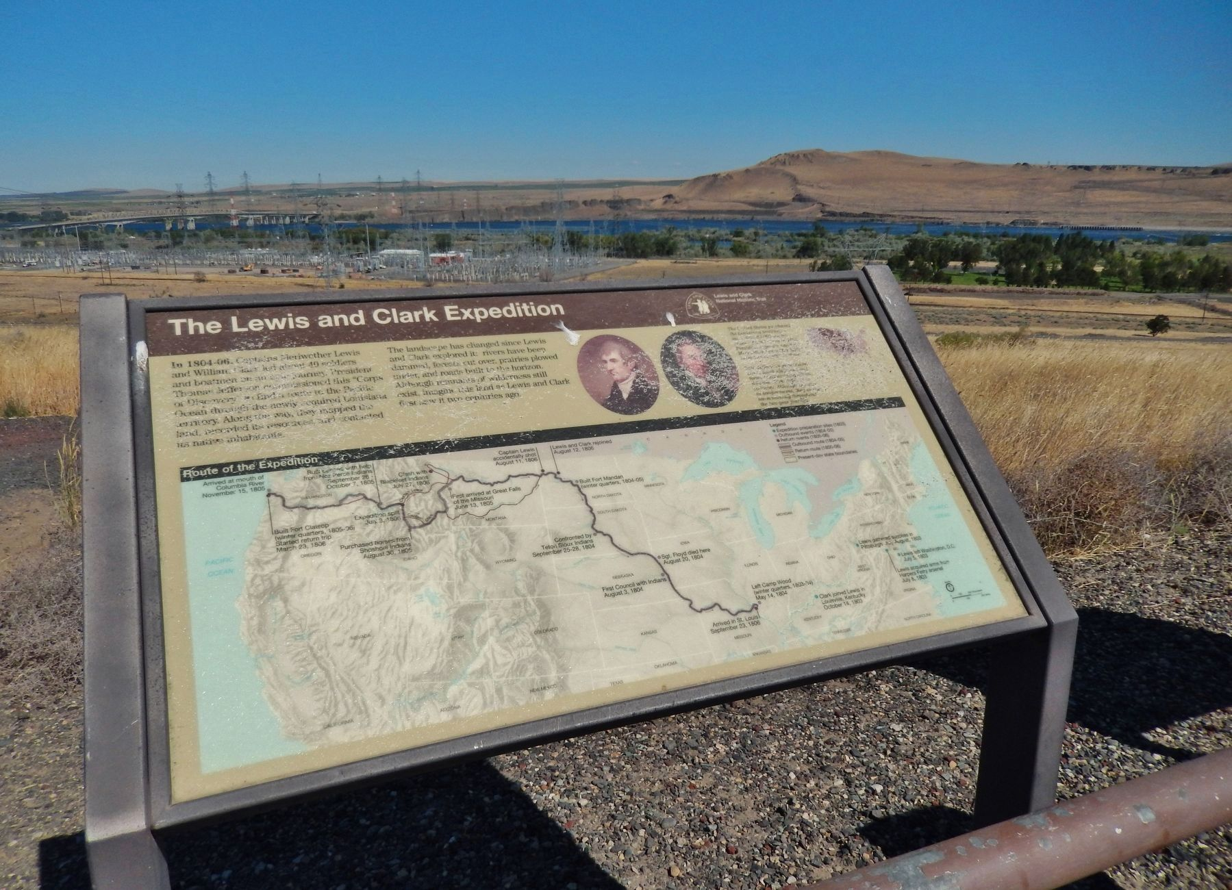 The Lewis and Clark Expedition Marker (<i>wide view; Columbia River in background</i>) image. Click for full size.