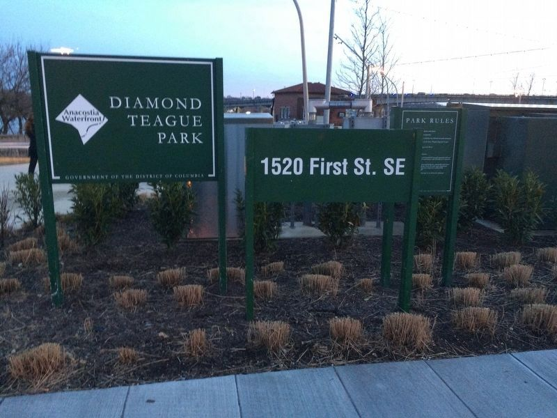 Signage at the entrance of Diamond Teague Park image. Click for full size.
