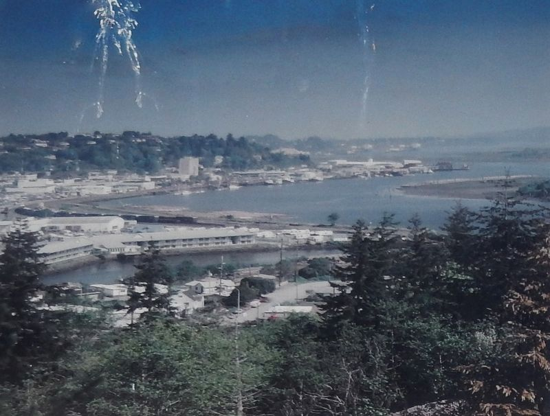Marker detail: The Coos Bay waterfront today image. Click for full size.