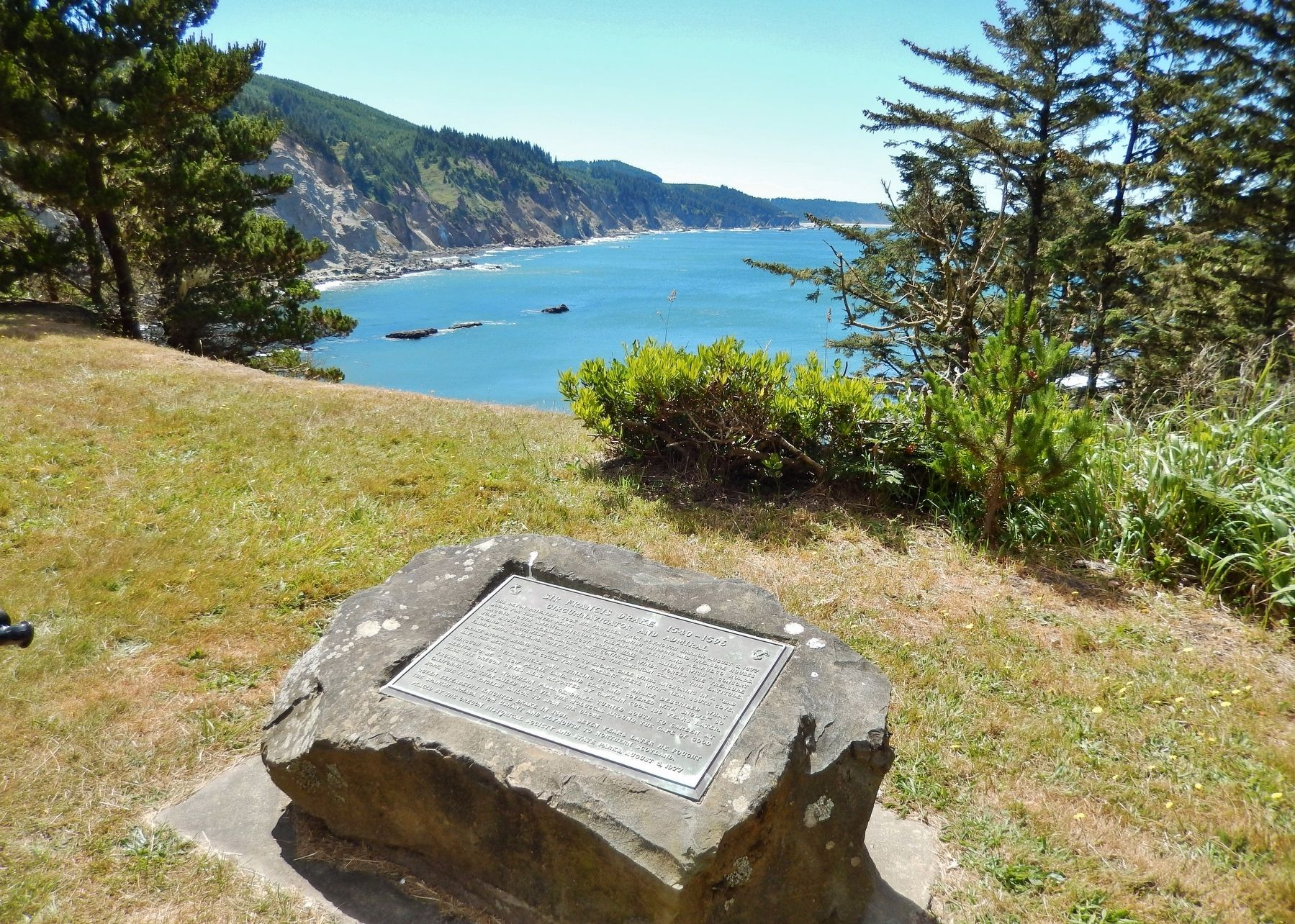 Sir Francis Drake 1540-1596 Marker (<i>wide view; overlooking Drake Point & South Cove</i>) image. Click for full size.