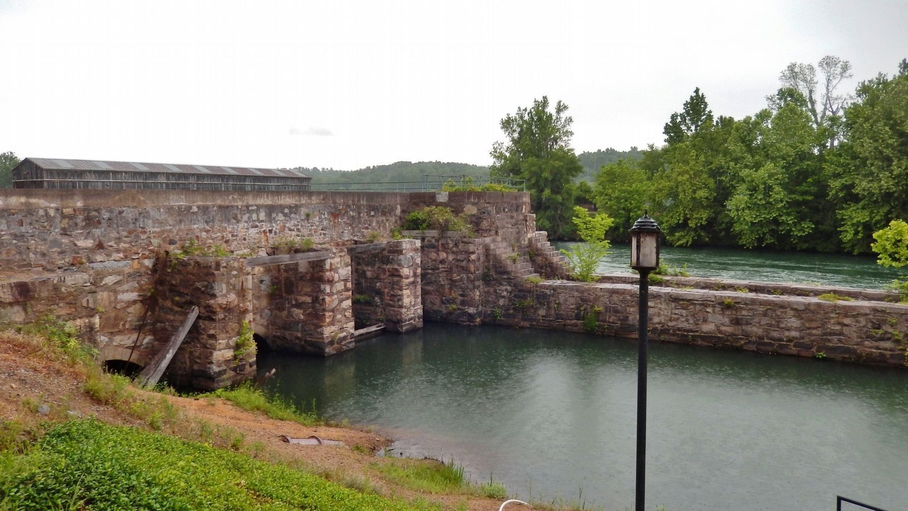 Augusta Canal 1845 Lock and Headgates (<i>no longer in use</i>) image. Click for full size.