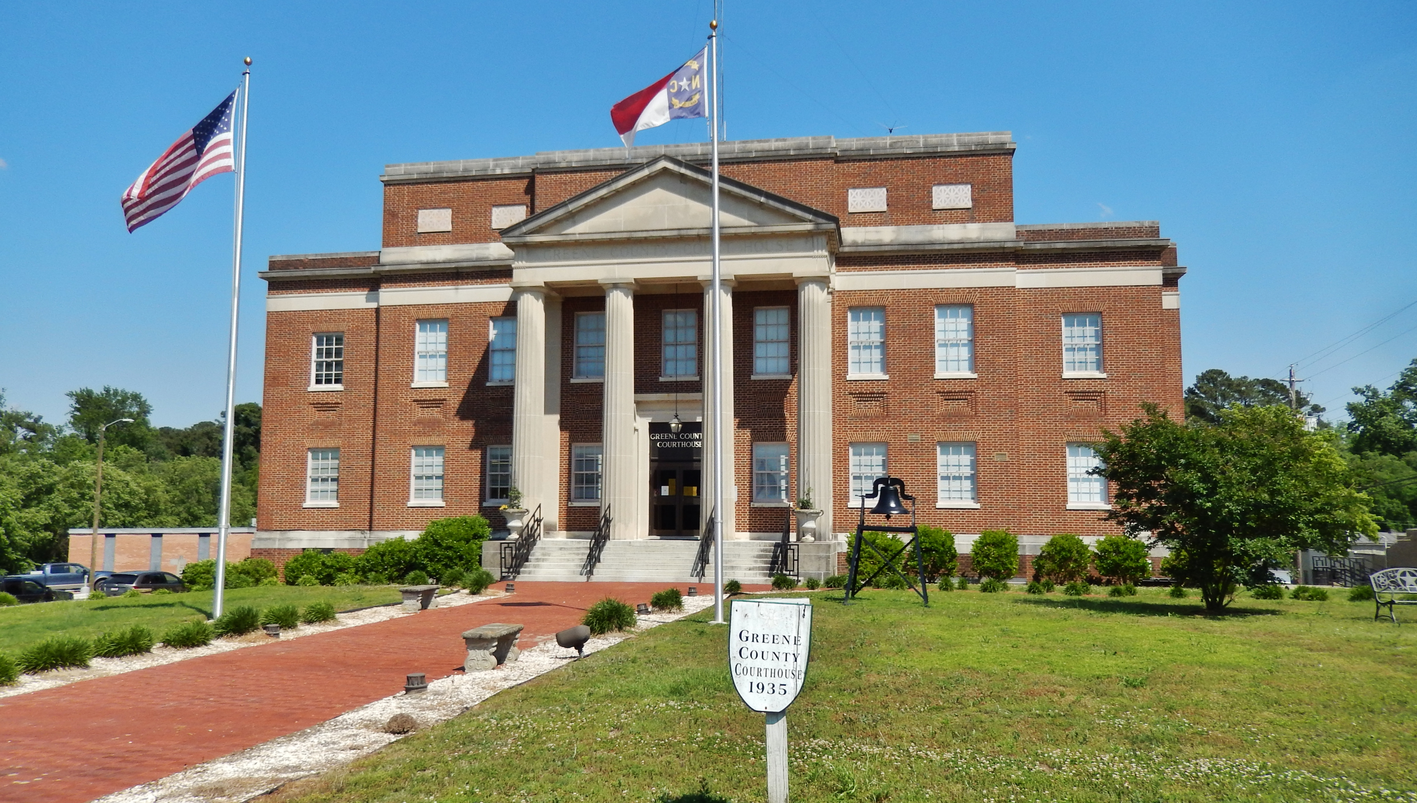 Greene County Courthouse (<i>front view; marker located just beyond image to the right</i>)