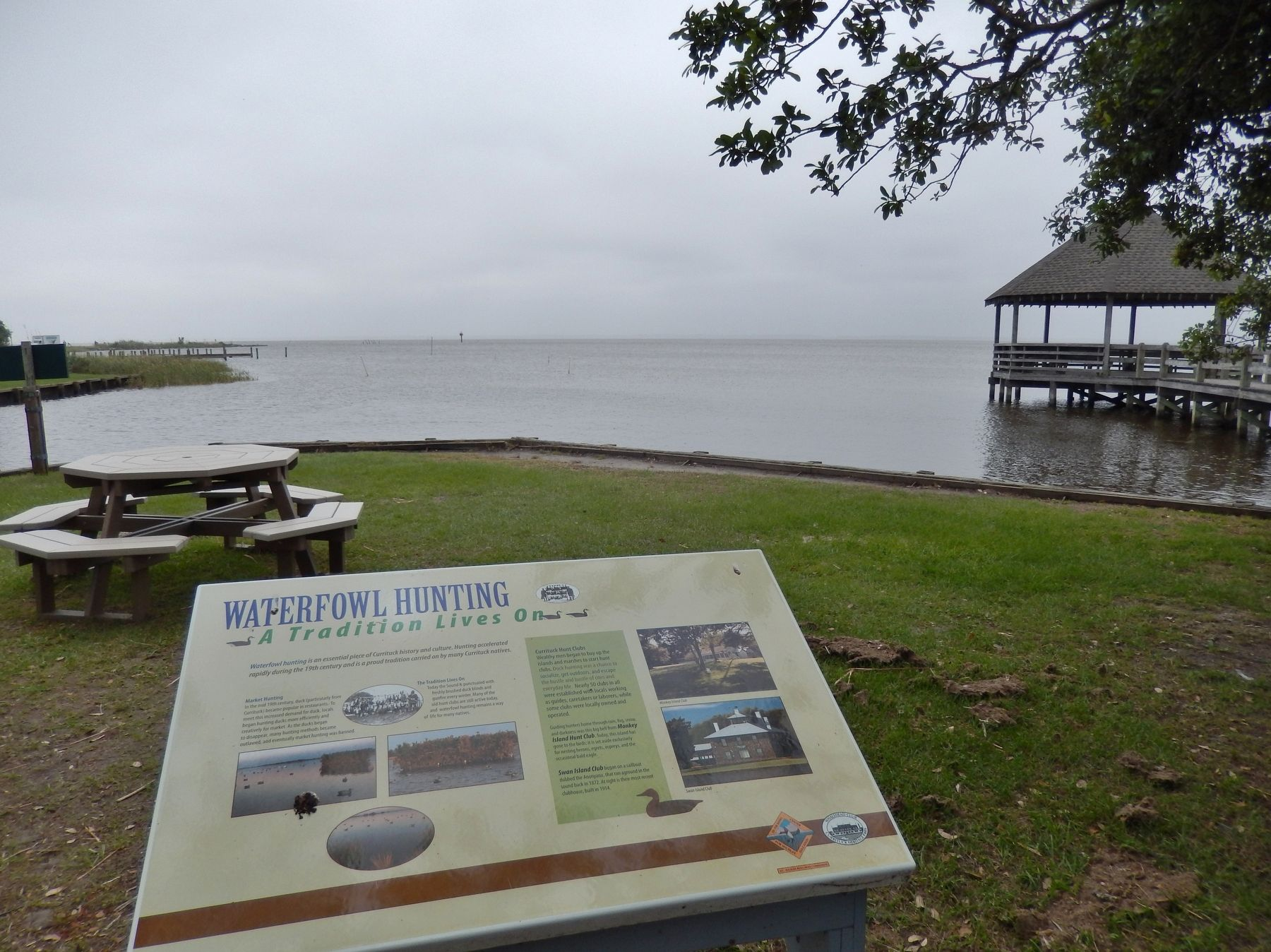 Waterfowl Hunting Marker (<i>wide view; overlooking Whale Head Bay</i>) image. Click for full size.