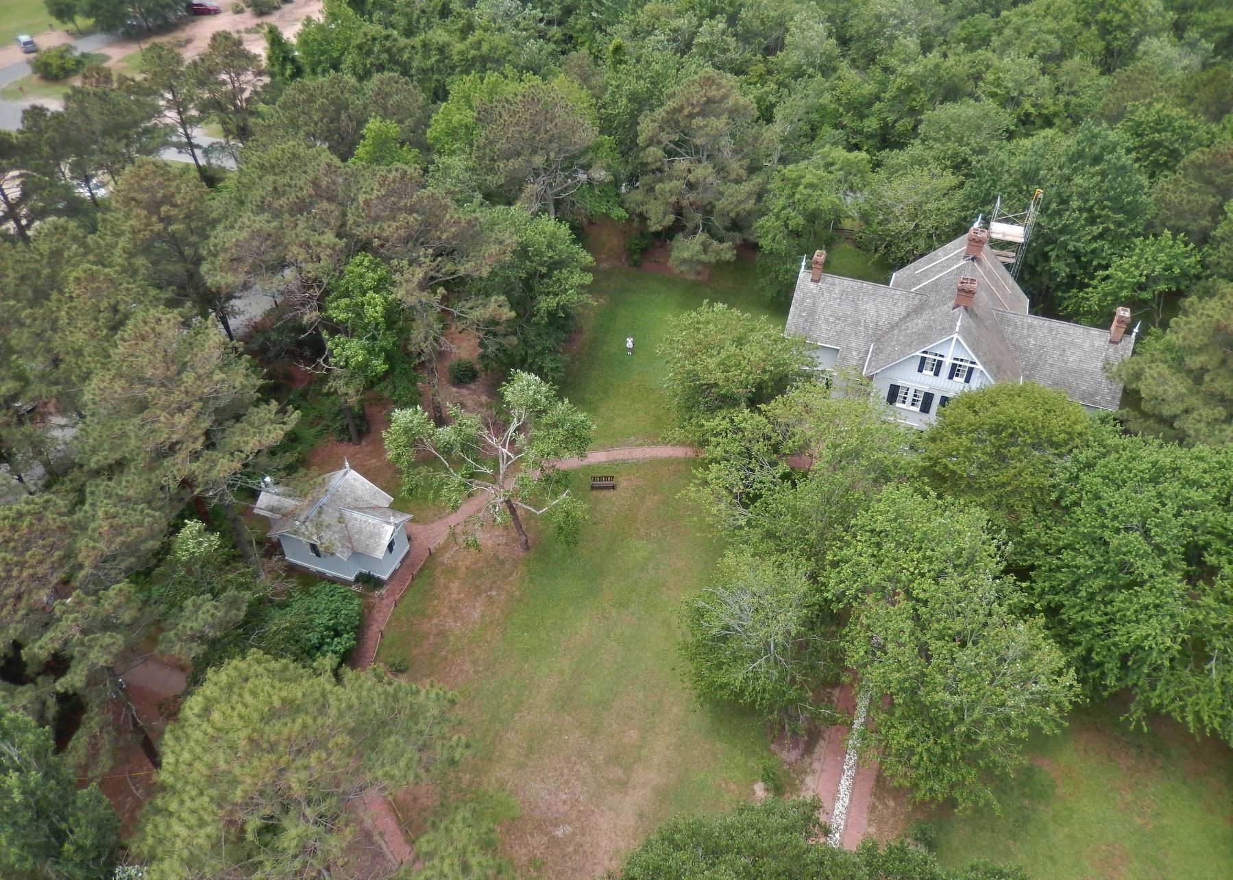 Currituck Beach Lighthouse (<i>view of Little Keeper&#39;s House <left> & Keeper&#39;s House, from top</i>) image. Click for full size.