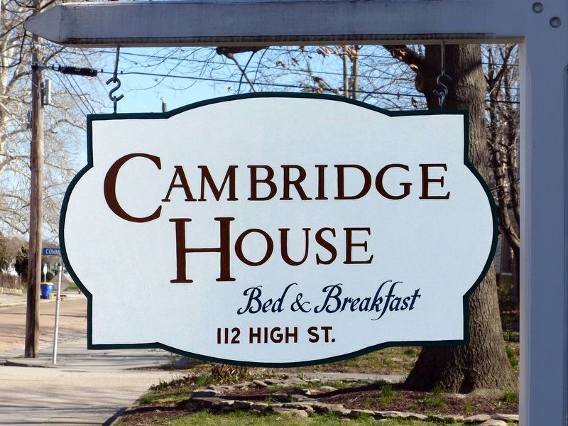 Cambridge House B&B Sign image. Click for full size.