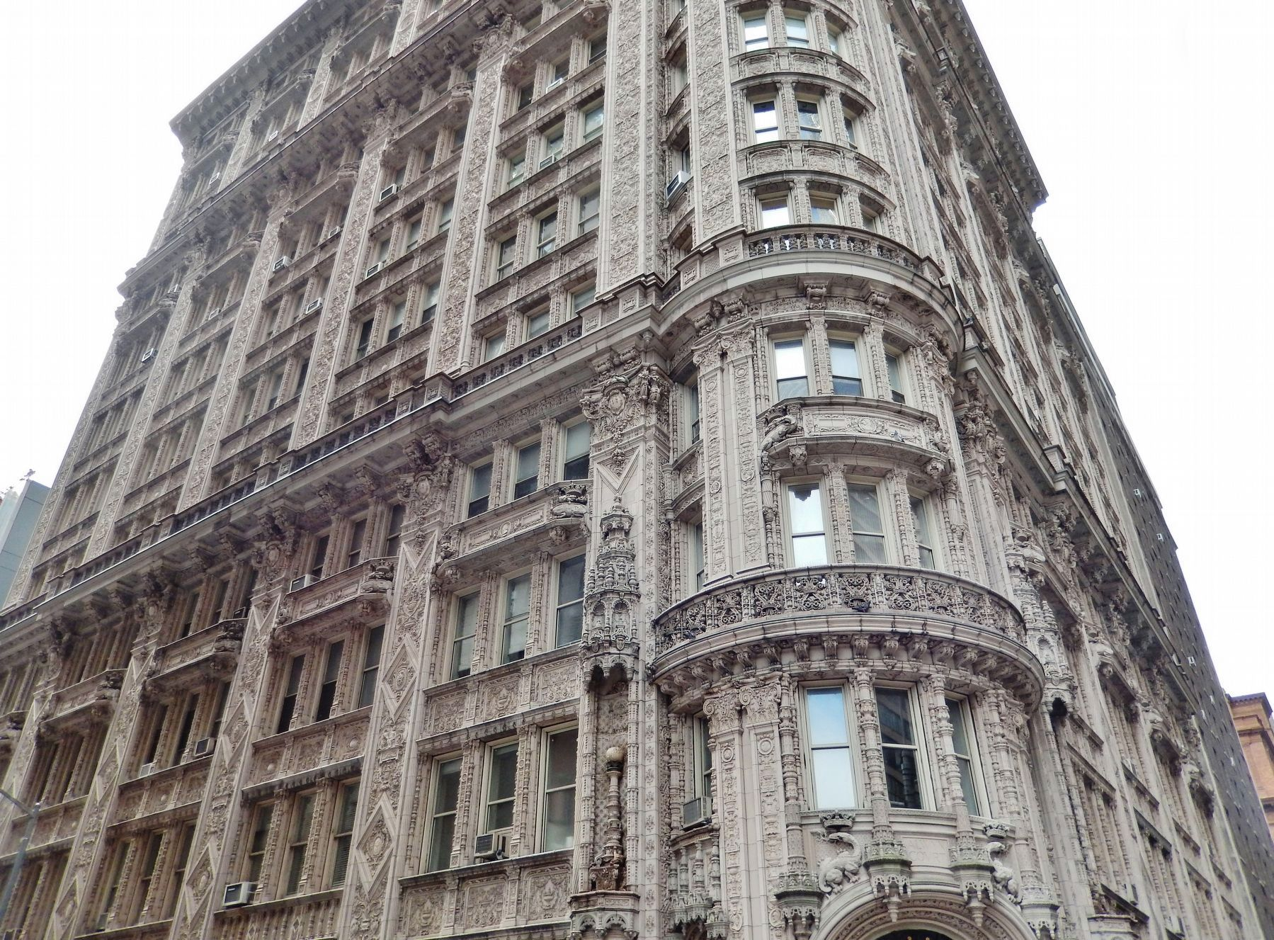 Alwyn Court Apartments (<i>corner perspective view</i>) image. Click for full size.