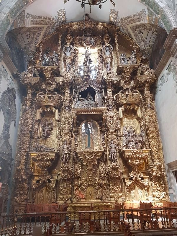 A large altarpiece of the Temple of Saint Augustine image. Click for full size.