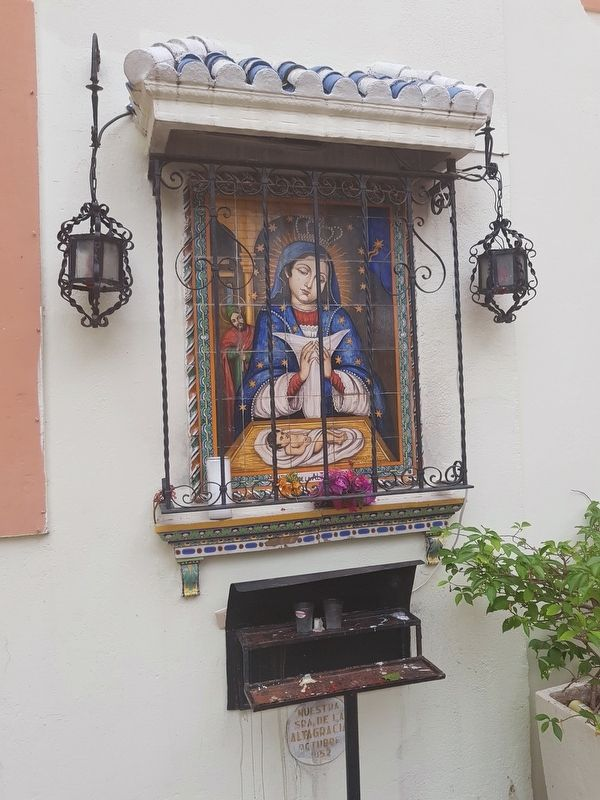 An image of Our Lady of Altagracia at the Our Lady of the Rosary Catholic Church image. Click for full size.