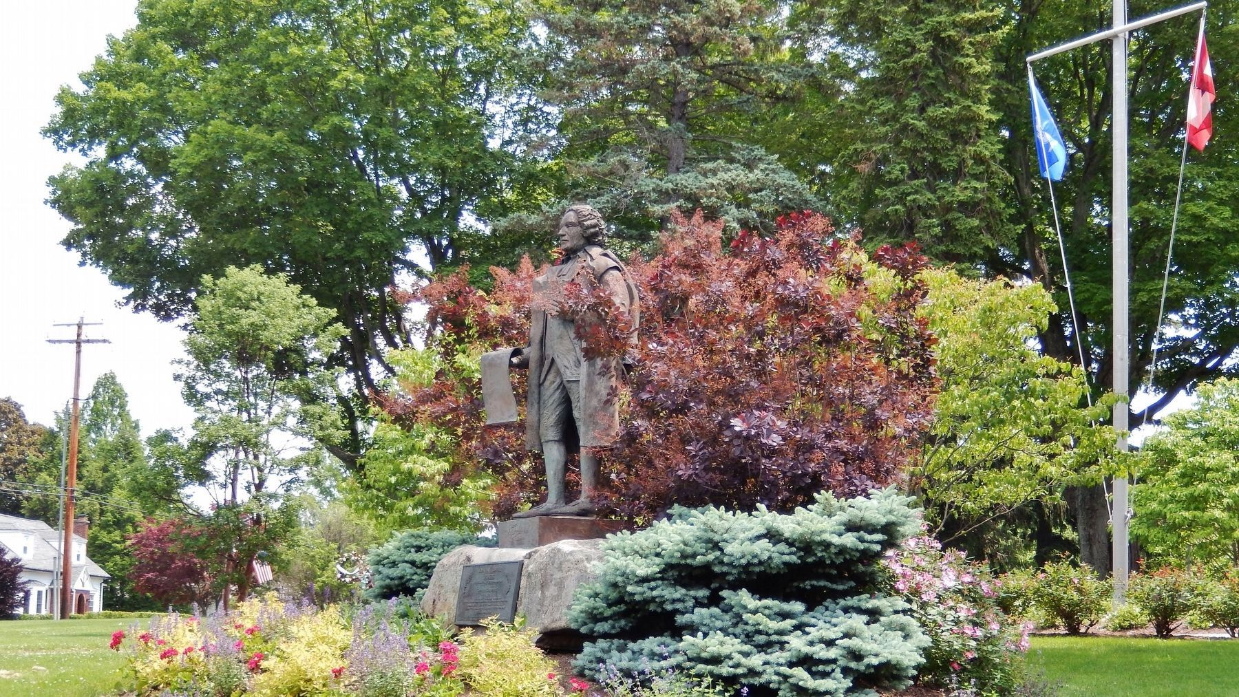 Jonathan Trumbull Statue & Marker (<i>wide view</i>) image. Click for full size.