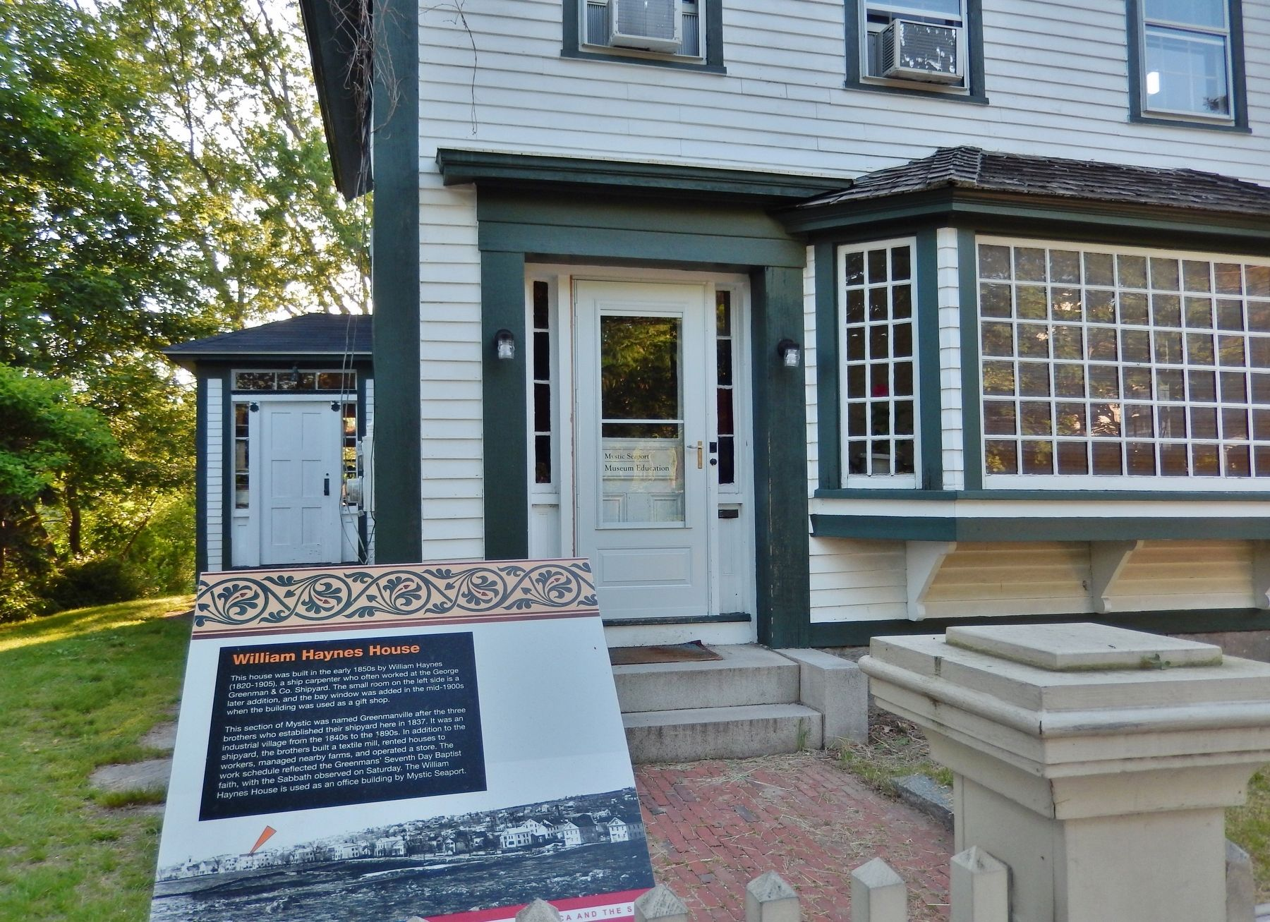 William Haynes House Marker (<i>wide view</i>) image. Click for full size.