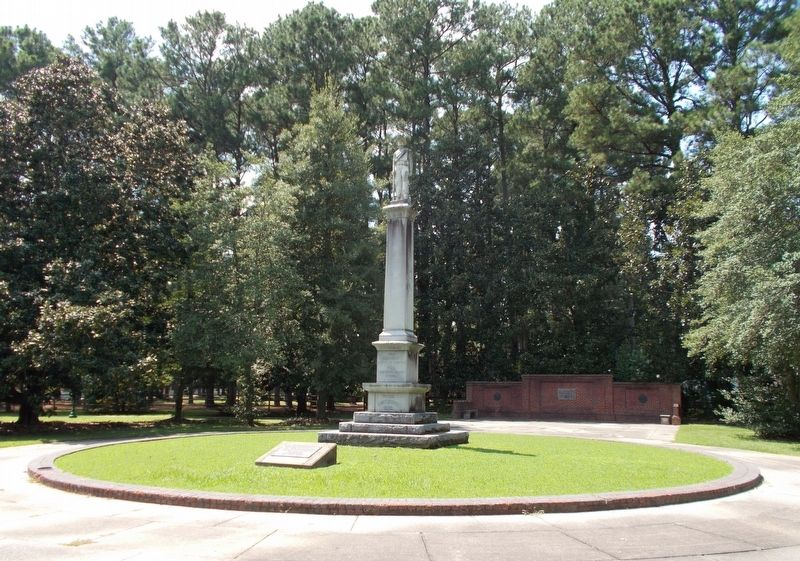 Confederate Monument in Franklin Memorial Park. image. Click for full size.