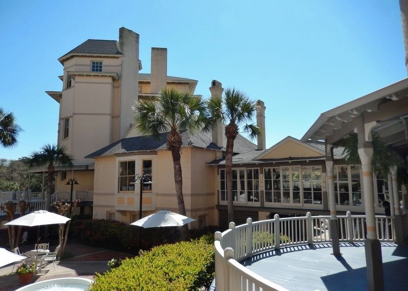 Jekyll Island Clubhouse (<i>courtyard</i>) image. Click for full size.