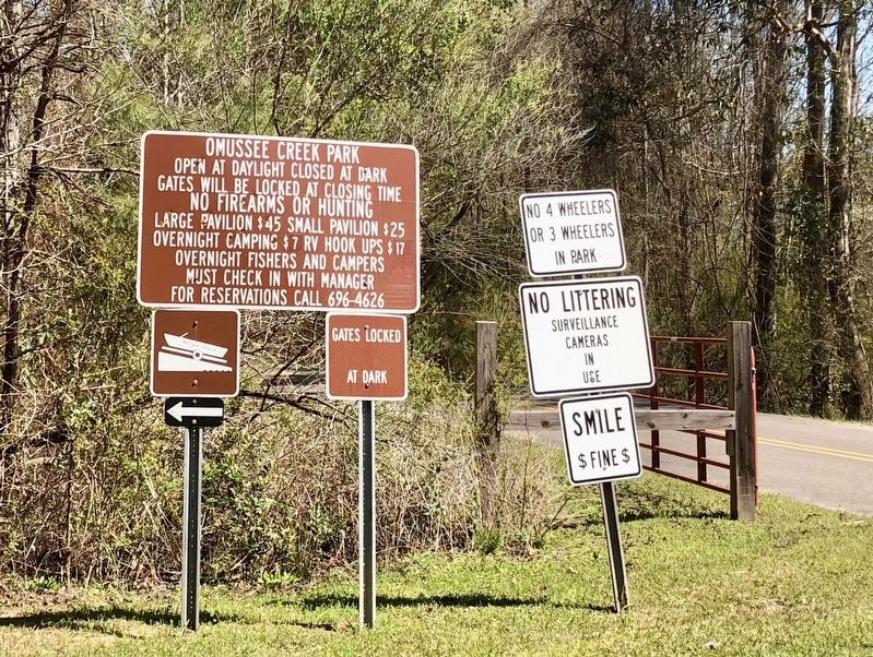 Park sign at intersection of Picnic Road & Omussee Creek Road. image. Click for full size.