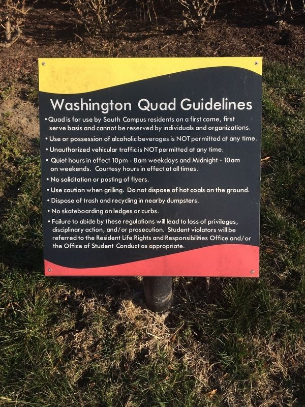 Washington Quad Guidelines sign nearby image. Click for full size.