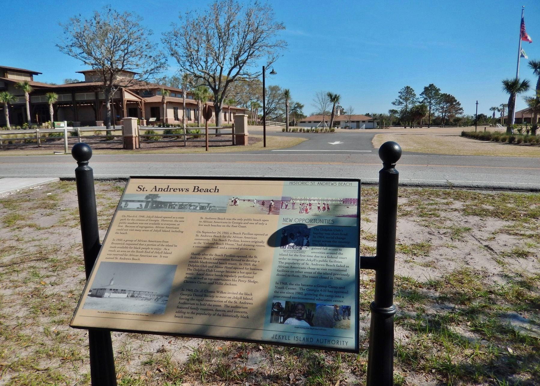 St. Andrews Beach Marker (<i>wide view; Camp Jekyll in background, across highway</i>) image. Click for full size.