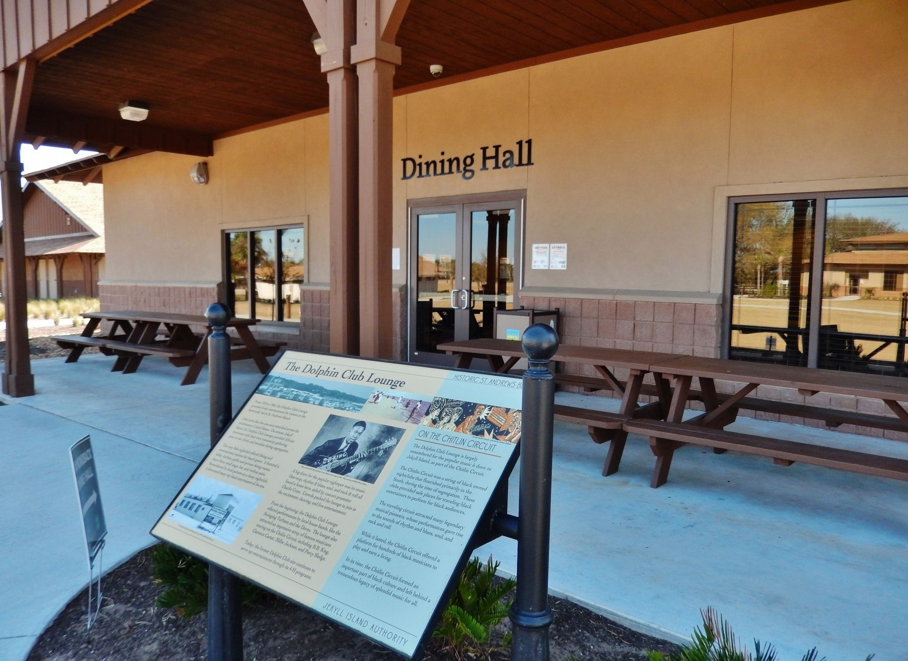 The Dolphin CLub Lounge Marker (<i>wide view; Camp Jekyll Dining Hall in background</i>) image. Click for full size.