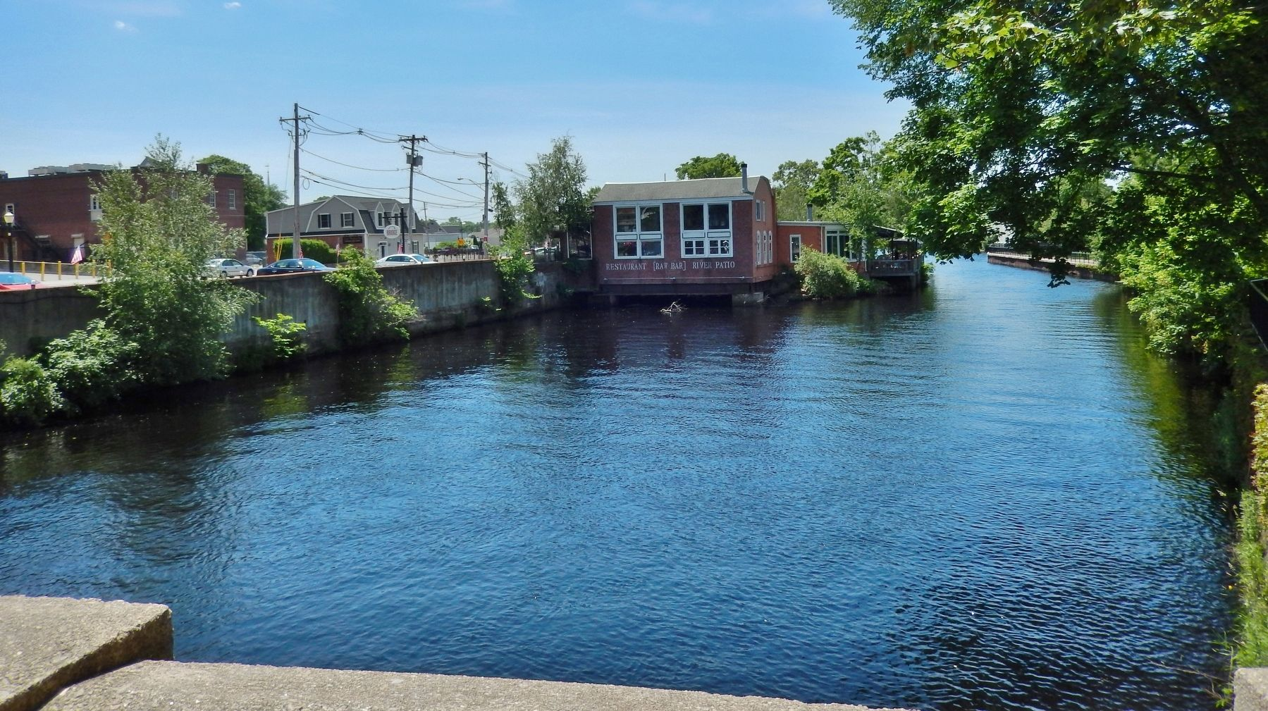 Pawcatuck River (<i>view south across Pawcatuck River from near marker</i>) image. Click for full size.