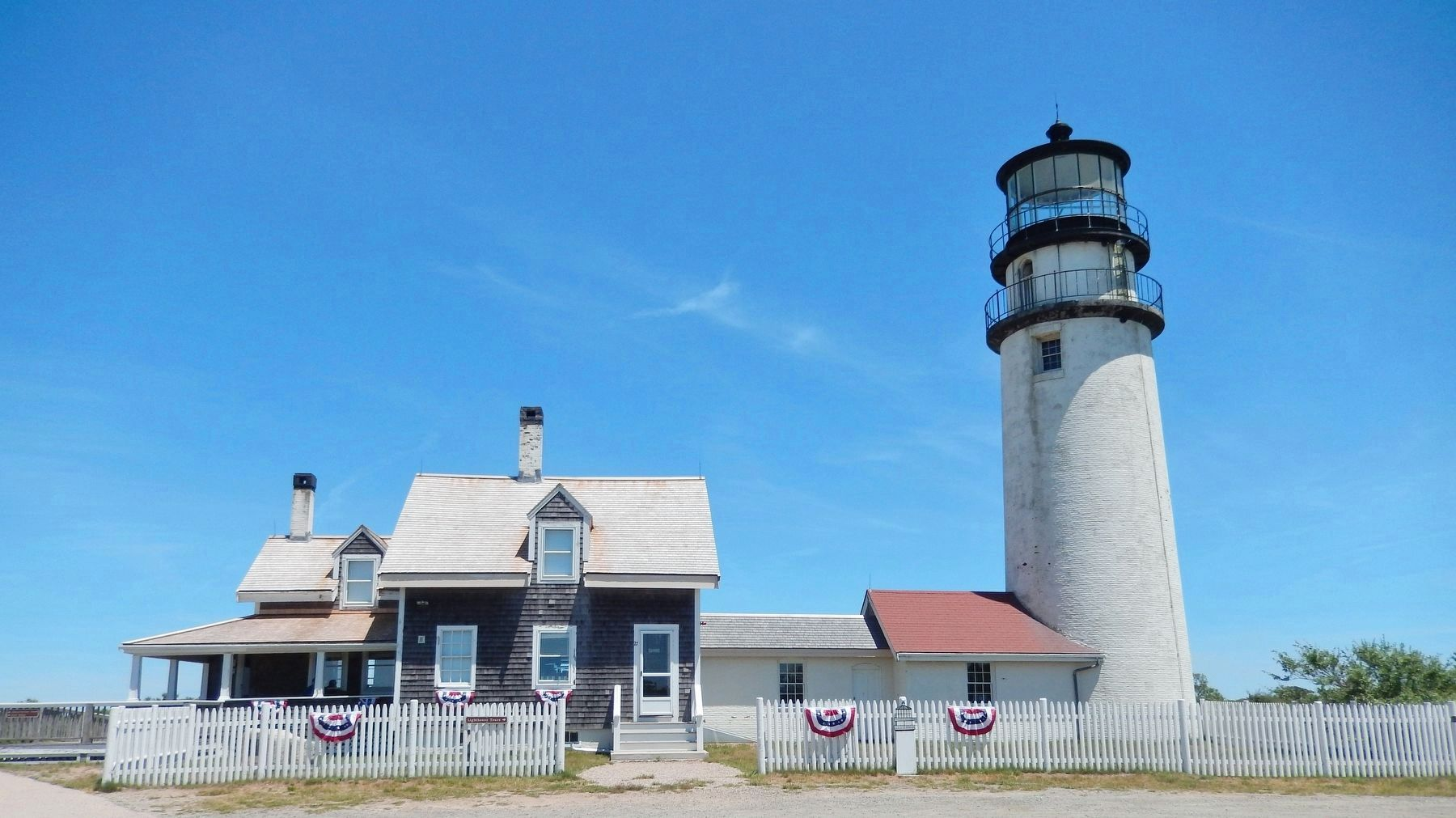 Cape Cod Highland Lighthouse image. Click for full size.