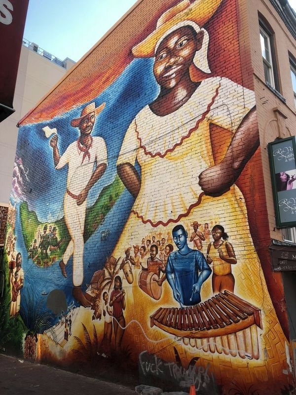The Afro-Columbian Mural on the other wall of the alley image. Click for full size.
