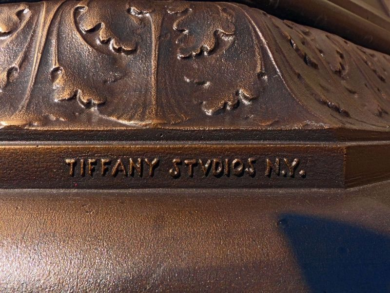 Tiffany Studios N.Y. image. Click for full size.