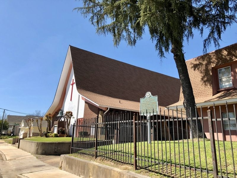 The current Mt. Helm Baptist Church. image. Click for full size.