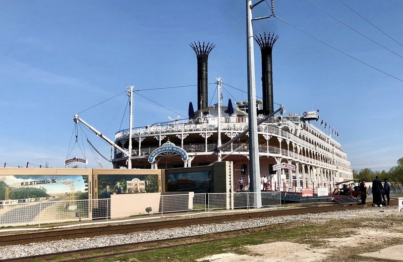 The American Queen Steamboat on the Yazoo River, docked at the Old Depot. image. Click for full size.