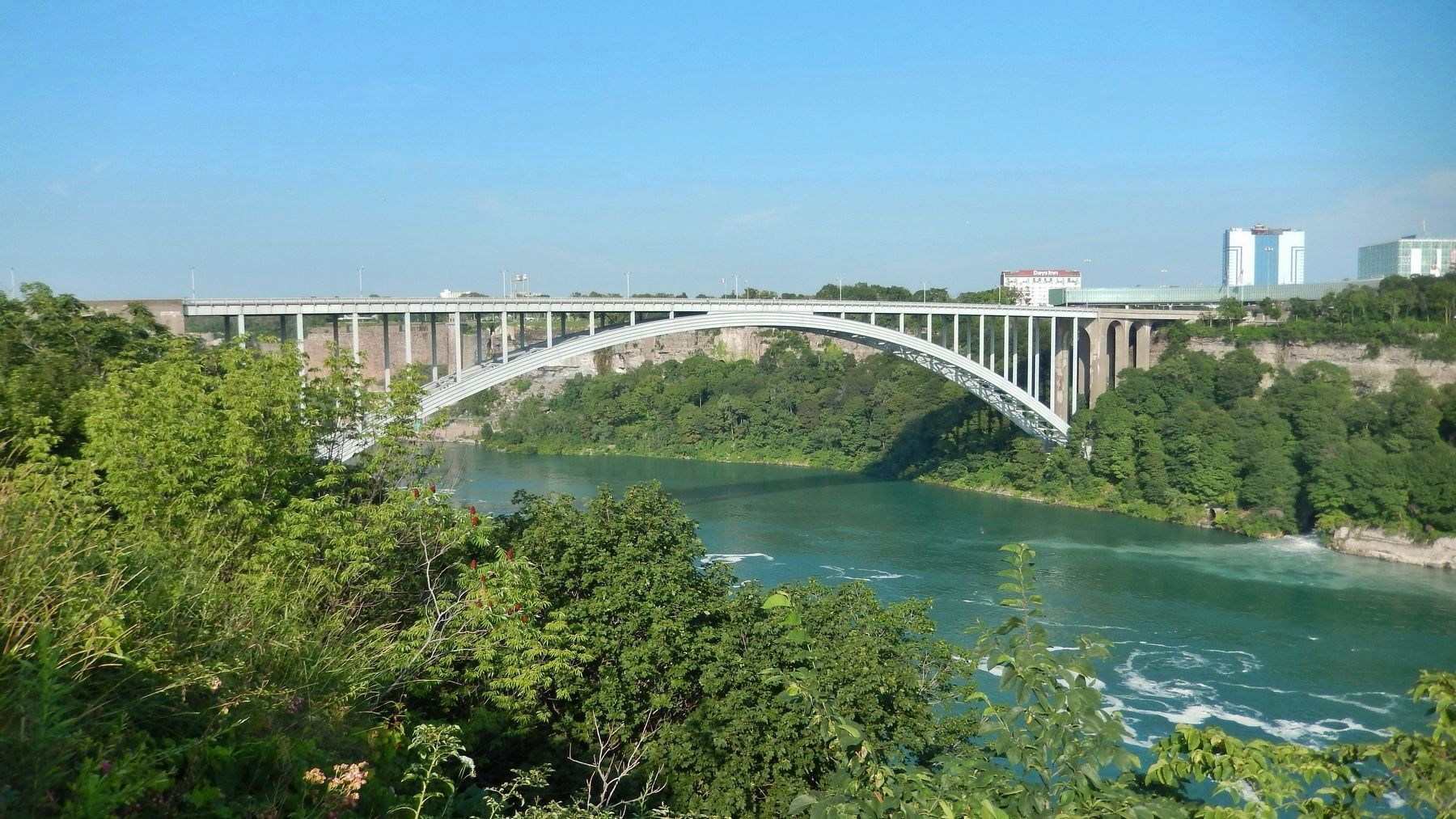 International Rainbow Bridge & Niagara River (<i>south side</i>) image. Click for full size.