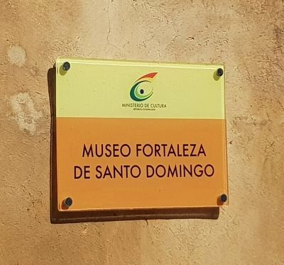 An informational sign for The Fortress of Santo Domingo image. Click for full size.
