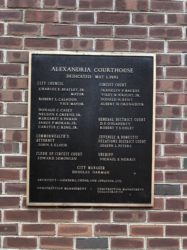 Alexandria Courthouse Dedication Plaque image. Click for full size.