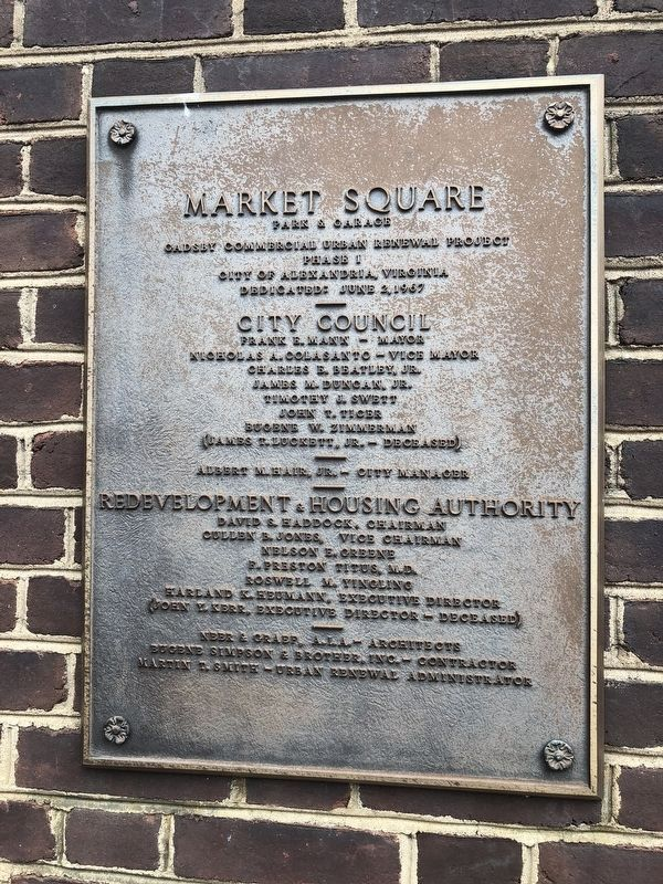 Market Square plaque nearby image. Click for full size.