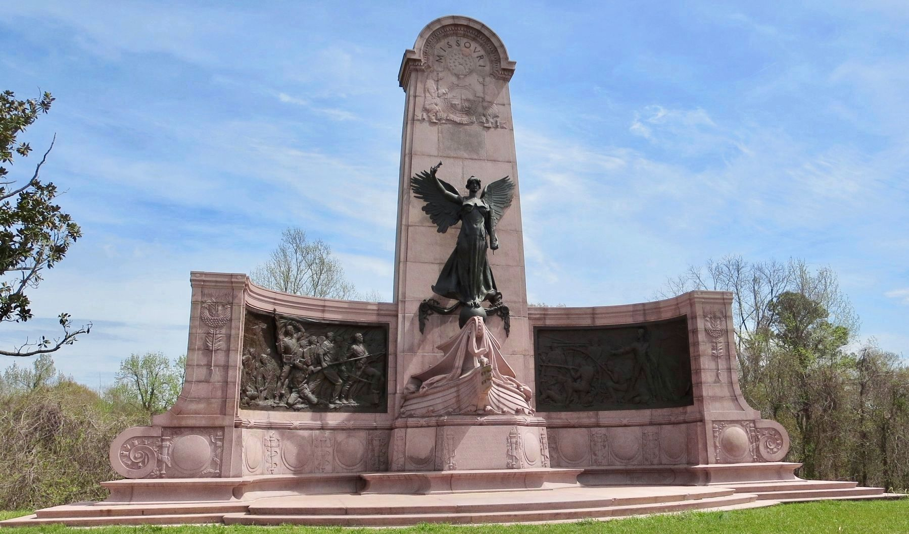 Missouri State Memorial image. Click for full size.