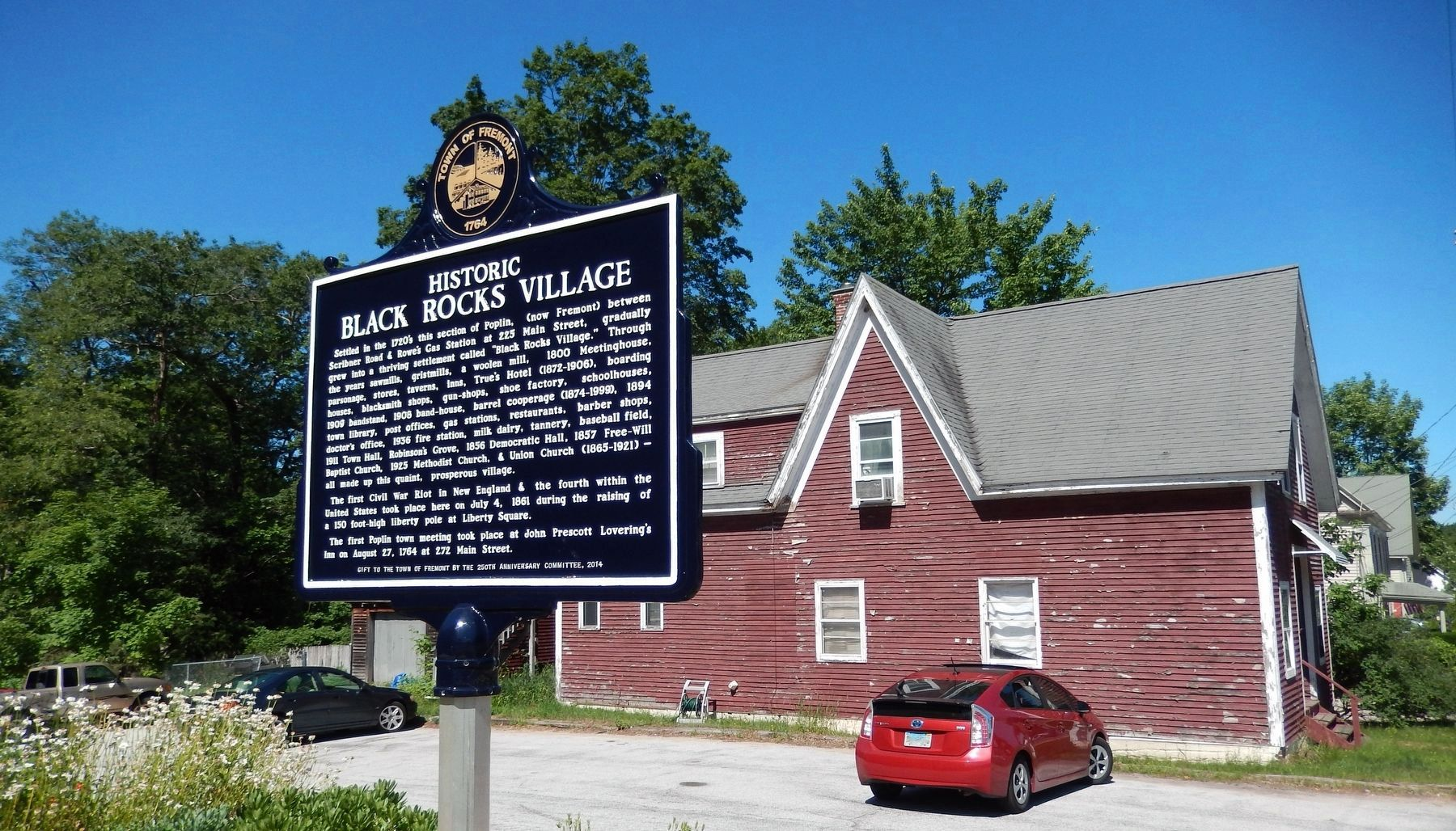 Historic Black Rocks Village (<i>marker side 1; wide view; Town Hall parking in background</i>) image. Click for full size.