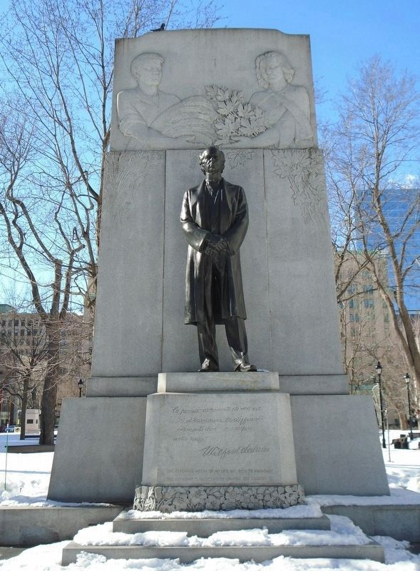 Wilfred Laurier Monument image. Click for full size.