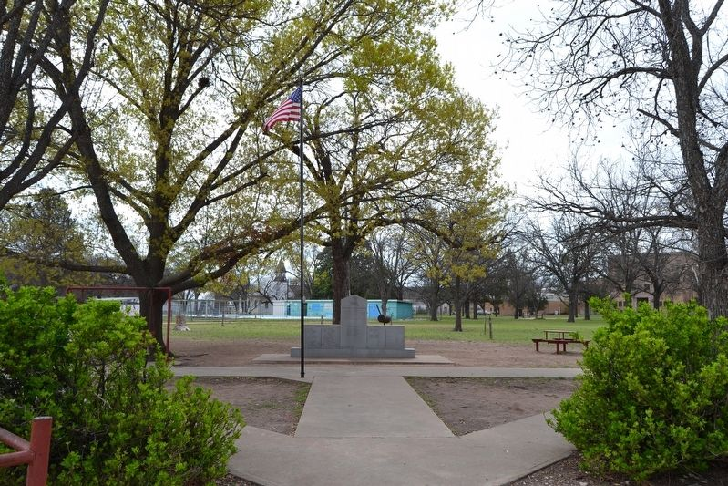 Memorial in American Legion Park image. Click for full size.